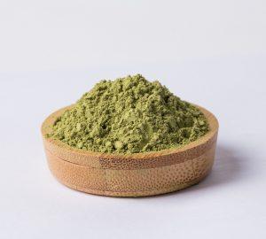 kako napraviti prirodnu pastu za zube od zelene gline i neema