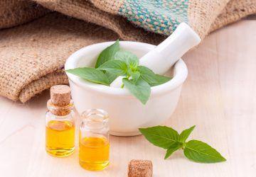 prirodno liječenje akni - eterična ulja